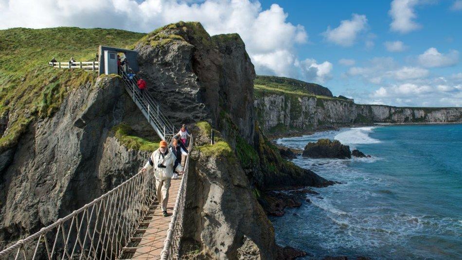 Echt Ierland, County Antrim, Carrick-a-rede-ropebridge, Ierland reizen